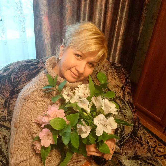 Лариса Гребёнкина